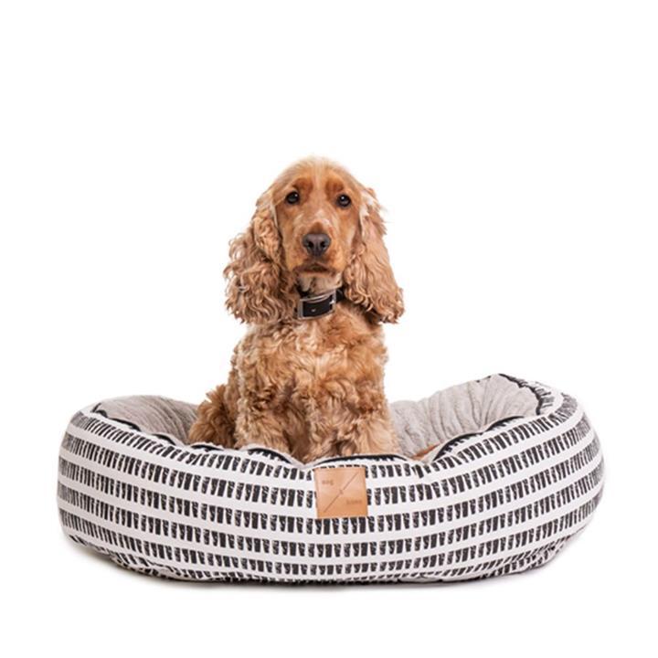 Mog & Bone 4 Seasons Circular Dog Bed Black Mosaic
